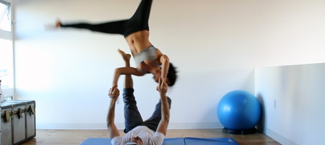 daniel-scott-yoga-acro1